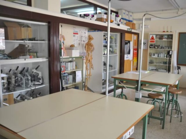 38 Laboratorio Ciencias Naturales